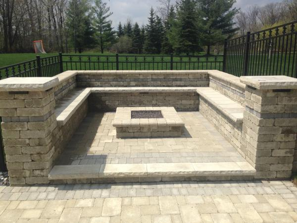 Custom Designed Outdoor Fireplaces And Fire Pits For Your