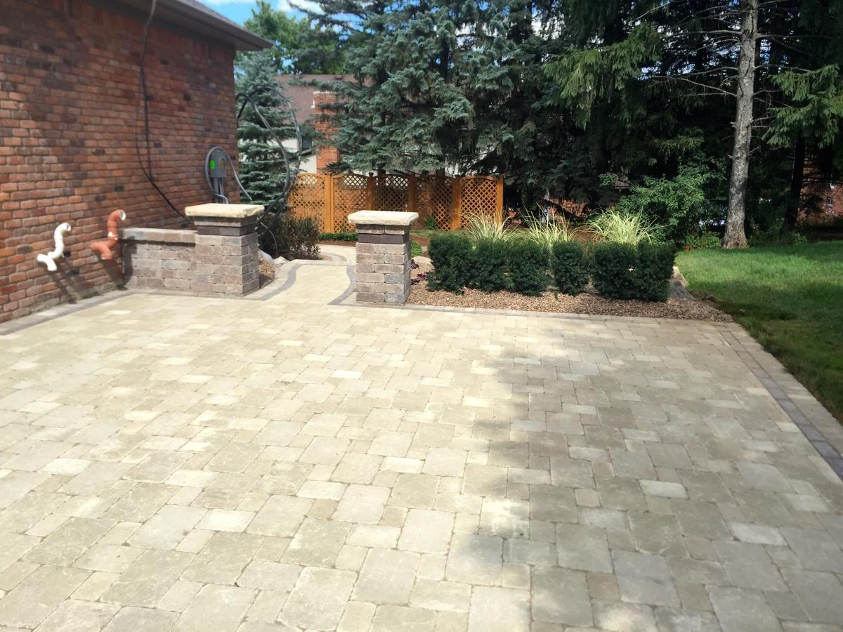 metro detroit  michigan brick paver driveway design and